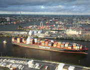 Hapag_Lloyd_container_river_container_port_top.jpg