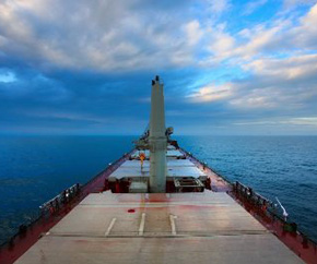 dry_bulk_closeup_cloudy_horizon 290x242