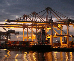 container_port_nighttime 290x242