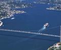 Bosporus_Strait_tanker_passing