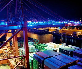 container_port_close_up_nighttime 290x242