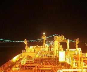 tanker_nightview_lights_closeup 290x242