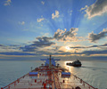 oil_tankers_horizon_cloudy_dusk