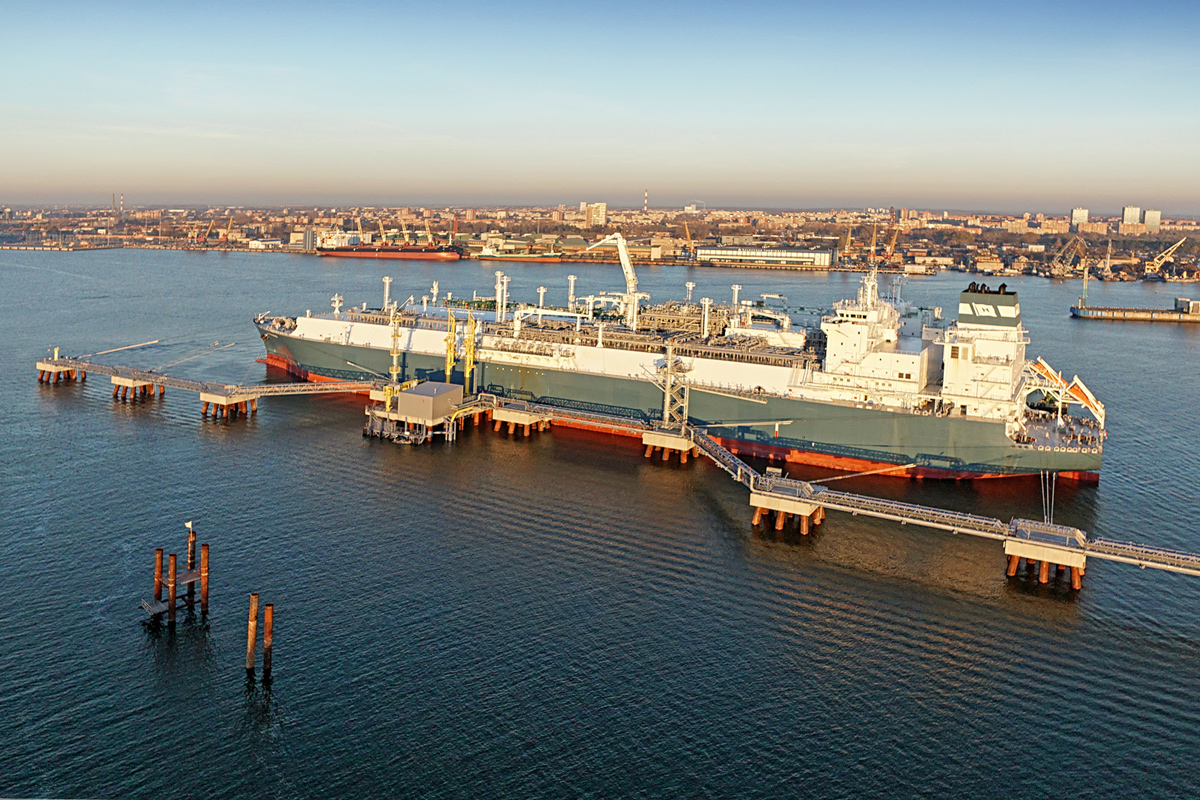 Höegh LNG: New FSRU contract with HHI and contract
