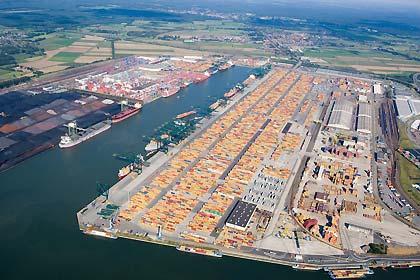 Barge transport makes progress in breakbulk, Port News