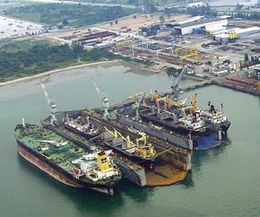 aerial_view_shipyard 290x242