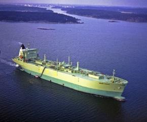 LPG_carrier_cargo_ship -_BERGE_STRAND 290x242