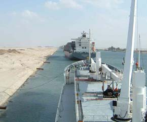 Suez_Canal_dry_bulk_and_container 290x242