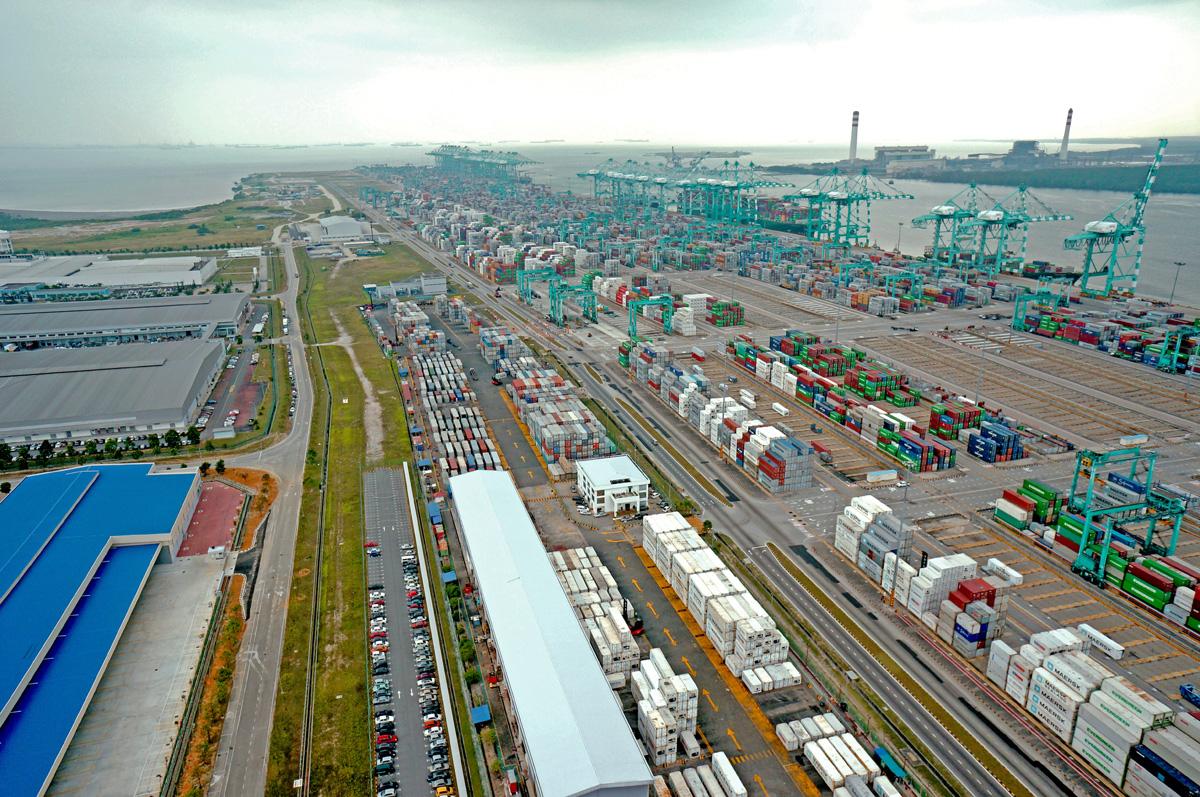 PORT OF TANJUNG PELEPAS PTP Container Yard Terminal BIG