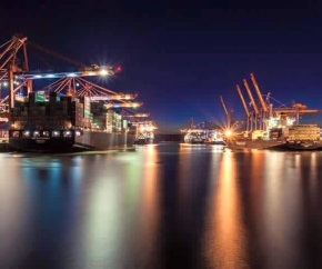 port_container_berth_nighttime 290x242
