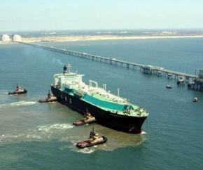Lng_carrier_offshore_terminal 290x242