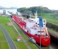 oil_tanker_passage_panama_canal_traversing_locks_miraflores