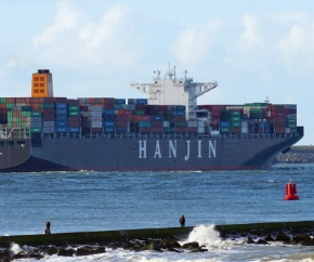 Rough waters for container shipping  Why Hanjin, the world's