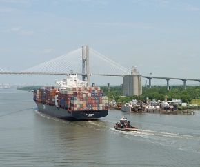 containership_Cargo_Ship_Freighter_Savannah_Georgia_River_Ship2 290x242