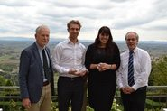 The Hansa Maritime Innovator award was given to Noah Silberschmidt of Silverstream technologies (second from left), the Next-Generation Innovator award to Susanna Valenti of University of Genoa (second from right). Eulogist Hans Payer (left) and HIPER organizer Volker Bertram (right) presented the awards.