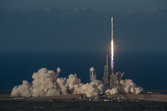 SpaceX successfully launches Inmarsat-5 communication satellite